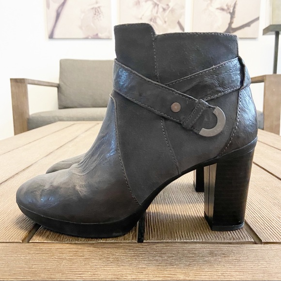 Geox Respira Ankle Boots